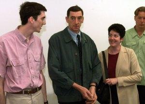 Daniel Nivel met zijn vrouw Lorette tijdens het proces tegen de voetbalsupporters