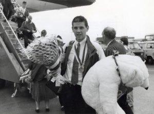 Leo Peelen keert in 1988 terug uit Seoul met een zilveren medaille